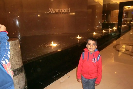 Singapore Marriott Tang Plaza Hotel: on the entrance