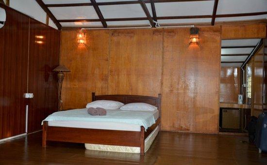 Izz Room Hotel
