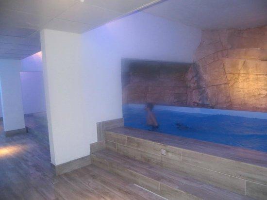 New Chastillon : piscine