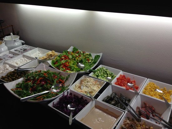 Mercure Tel-Aviv City Center: Salad bar at breakfast