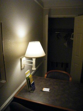 La Quinta Inn Bakersfield South : room