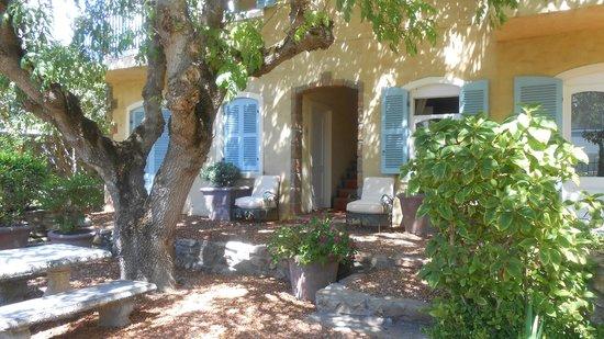 Auberge Burgundy: Garden rooms