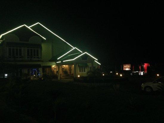 Padmini Resort: the resort on new years eve..