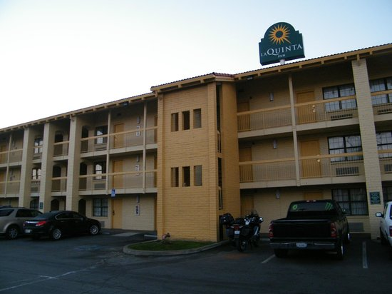 La Quinta Inn Bakersfield South : exterior