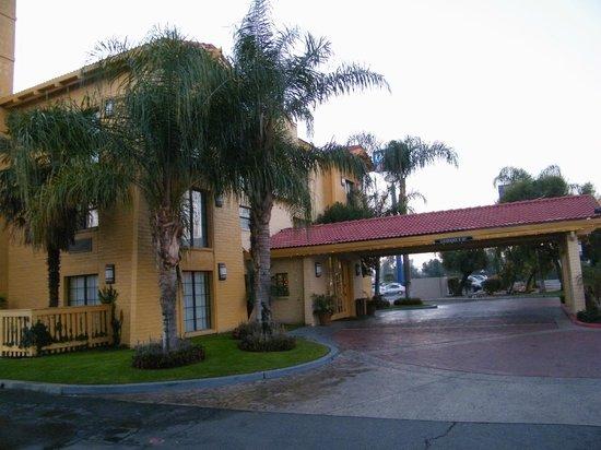 La Quinta Inn Bakersfield South : entrance