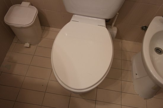 Hotel Sirius: Bathroom