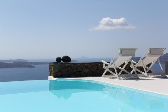 Aenaon Villas: view from infinity