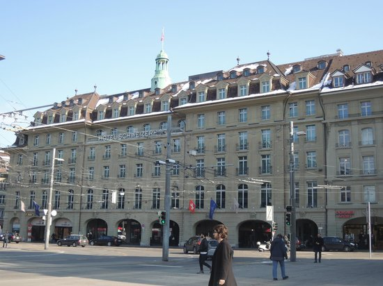 Hotel Schweizerhof: Right opposite Bern's main train station