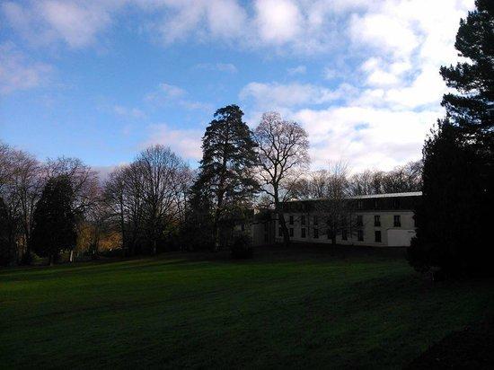 Novotel Chateau de Maffliers : Le Novotel vu du château