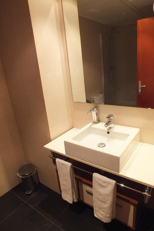 Apartaments Suites Independencia: Servicio