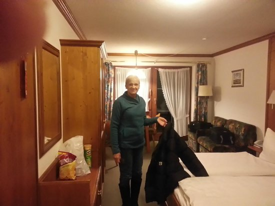 Hotel Alpenrose: room 206 toward balcony door