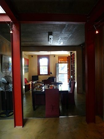 De Waterkant Cottages : Unterer Wohnbereich - ausgestattet mit Küche, Spülmaschine, Waschmaschine, Trockner