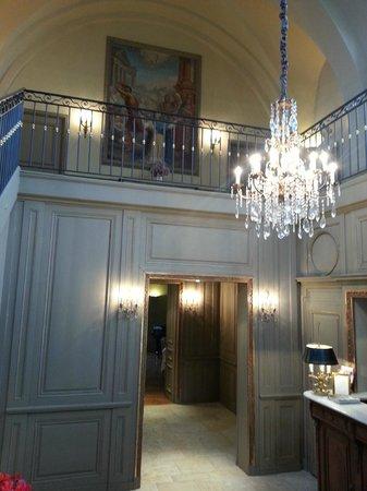 Hôtel Le Sauvage : la réception