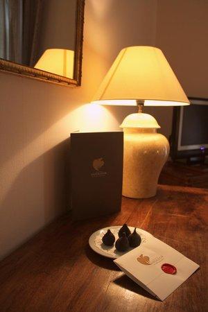 Hotel Imperator: Очень приятно найти в комнате открытку с пожеланием приятного отдыха