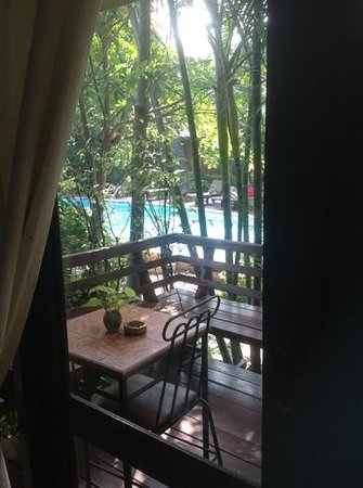 Baan Duangkaew Resort : Generous terrace, nicely overlooking the pool but with a private feel