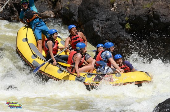 Raging Thunder Adventures : Tully River White Water Rafting with Team Rob