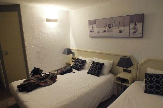 Brit Hotel Bosquet Carcassonne : Habitación