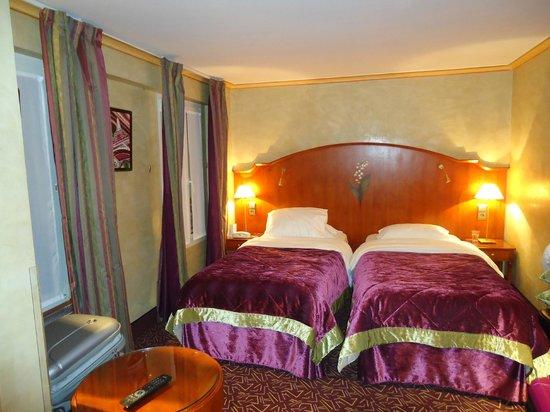 Hotel Muguet: Habitación