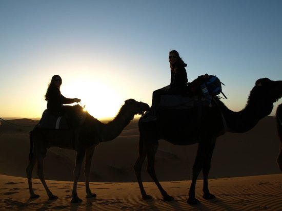 Palais des dunes: Puesta de sol camino a las Haimas