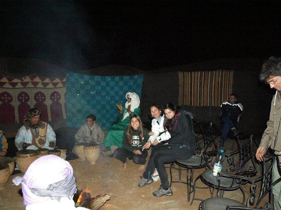 Palais des dunes: Noche en las Haimas