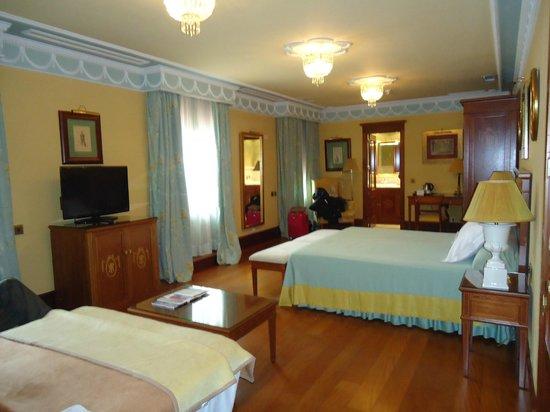 Hotel Inglaterra : Habitación