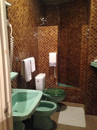 Hotel Residence Chalgrin : bagno -standard