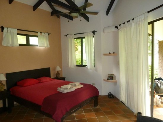 La Cacatua Lodge: Chambre
