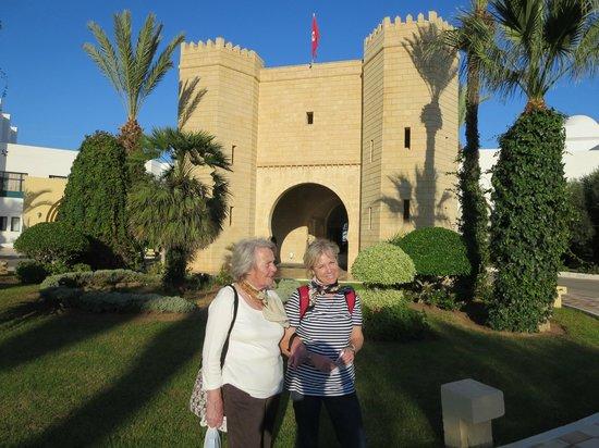 Mahdia Palace Thalasso : Haupteingang des Hotels