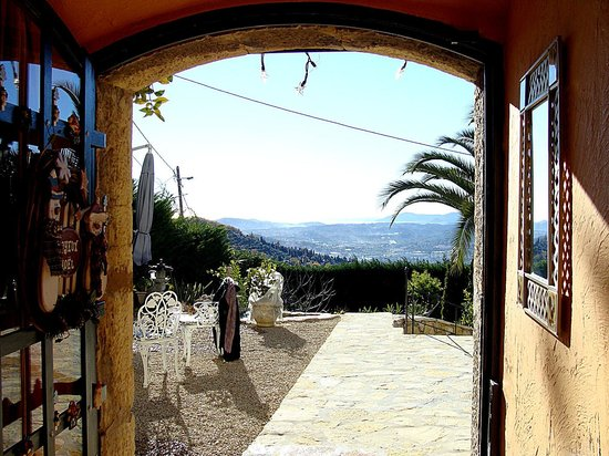La Bastide des Anges : the view from the entrance door