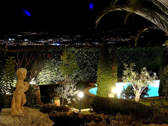 La Bastide des Anges : the view by night