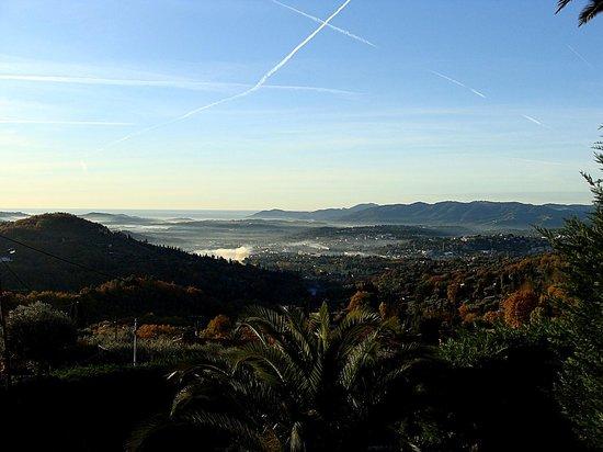 La Bastide des Anges: morning view