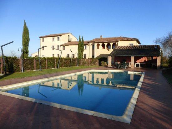 Resort Casale Le Torri: piscina