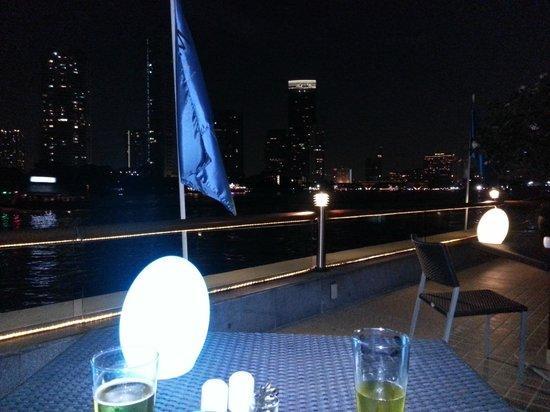 Chatrium Hotel Riverside Bangkok: At Silverwaves