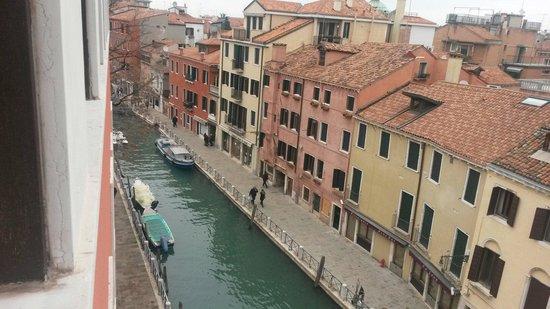 Hotel Papadopoli Venezia MGallery by Sofitel: Vista dalla camera