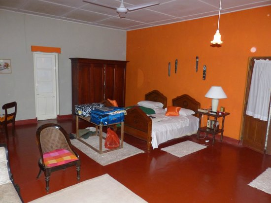 The Kandyan Manor: Kandyan Manor, twin room in the house
