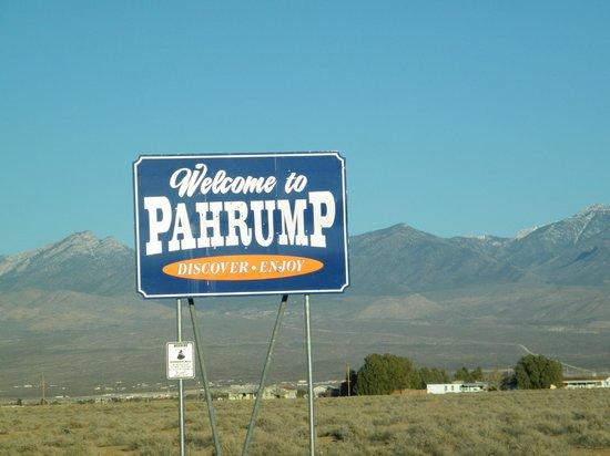 The Pahrump Nugget Casino : entering Pahrump