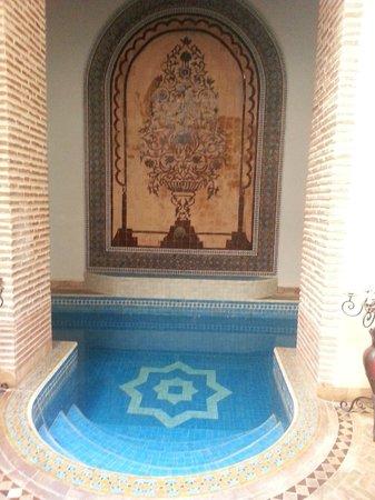 Riad Les Trois Palmiers El Bacha: Vasca 2