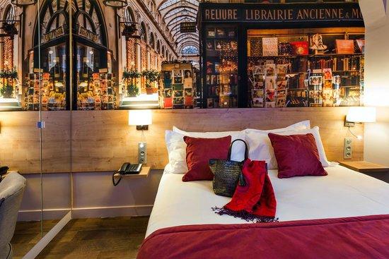 SUPERIOR DOUBLE MIDNIGHT HOTEL PARIS ***
