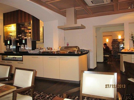 Ambiente Hotel Freieck : Hot breakfast buffet