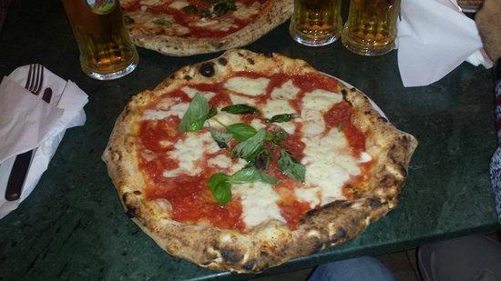 Da Pellone: MEGA PIZZA!
