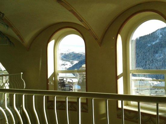 Hotel Mezdì: vista dall'interno della piscina