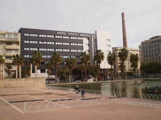 Vincci Malaga: Zijaanzicht hotel Vincci