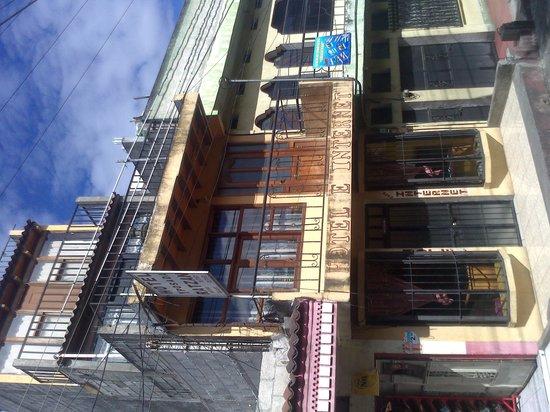 Hotel y Posada Ratzan: vista desde la calle 2