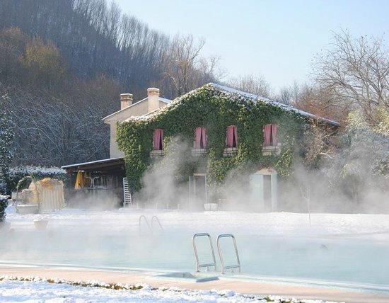 Piscina chalet in inverno foto di hotel terme - Hotel preistoriche montegrotto prezzi piscine ...