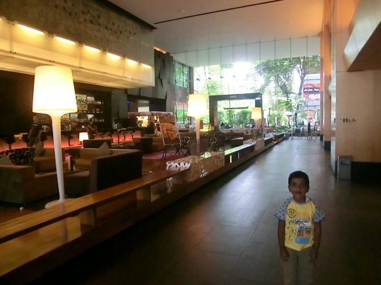 G Hotel Gurney: Lobby