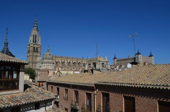 Hotel Santa Isabel : Catedral vista do nosso quarto