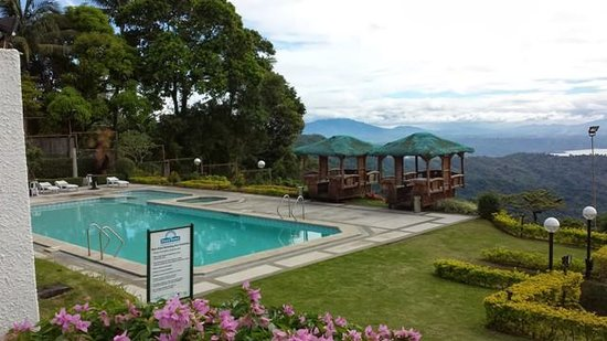Garden picture of days hotel tagaytay tagaytay - Crosswinds tagaytay swimming pool ...