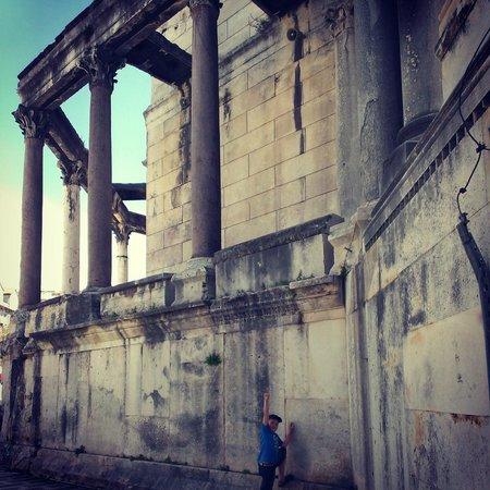 Dioklecijanova (Cardo Maximus): Дворец Диолектана