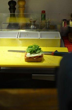 La Bottega di Perugia : preparazione panino