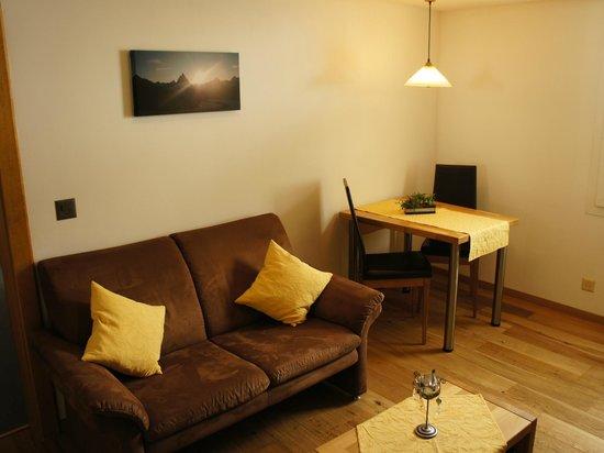 Alpine Lodge : Wohnraum / Essen